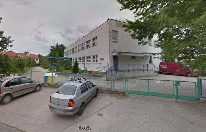 Do przedszkola Wesołe Nutki we Wrocławiu informacja o bombie przyszła po godz. 7