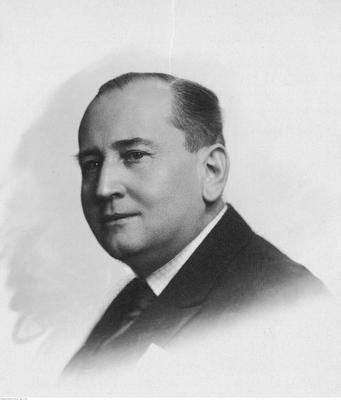 Prezes krakowskiego klubu w latach 1921-1930 Marian de Walter-Croneck (fotografia portretowa)