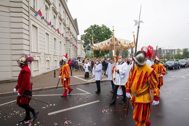 Procesje zorganizowane w parafii św. Andrzeja Boboli oraz w Bazylice mniejszej św. Wincentego a Paulo w Bydgoszczy.Więcej zdjęć na następnych strona