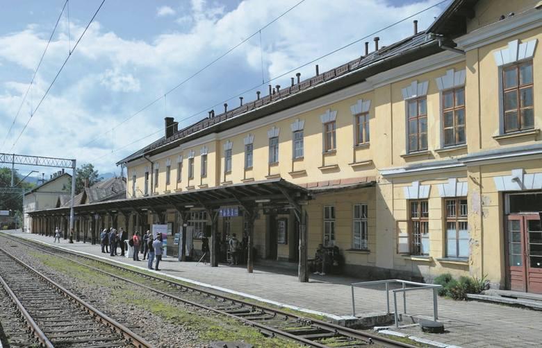 Zakopiański dworzec ma już 100 lat.  - Najwyższy czas, żeby go wyremontować - mówią górale