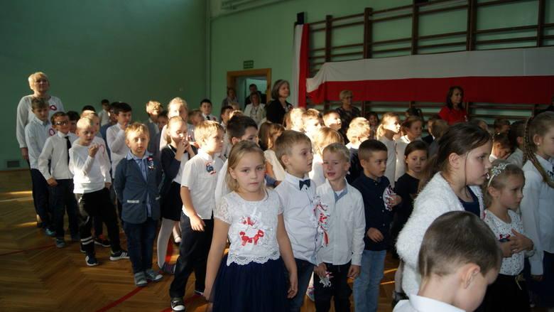 Uroczysta akademia w Szkole Podstawowej nr 2 w Skierniewicach [ZDJĘCIA]