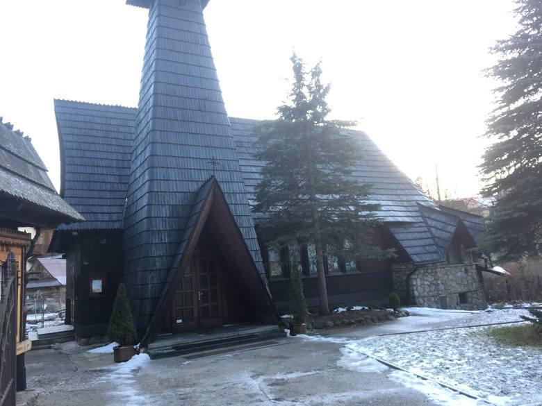 10. Kościółek księży Salwatorianów na Bulwarach Juliusza Słowackiego w Zakopanem. Ta mała drewniana świątynia ma około 200 mkw powierzchni. Legalnie