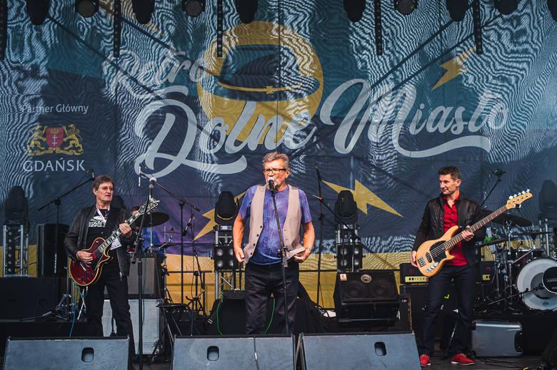 Mimo deszczowej pogody, mieszkańcy dopisali. W sobotę, 7 września, na Dolnym Mieście w Gdańsku po raz kolejny odbyła się impreza w stylu retro. Nie zabrakło