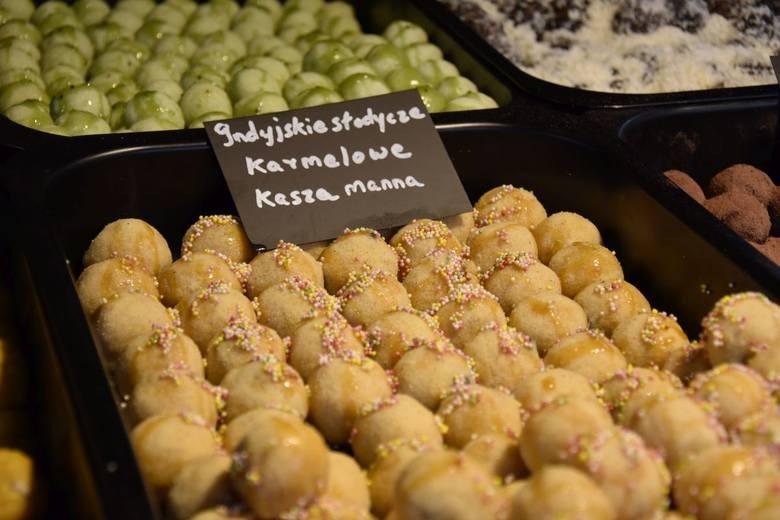 Po raz pierwszy spróbujemy też przysmaków kuchni hinduskiej (wystawca ma również swoją restaurację we Wrocławiu. Na zdjęciu indyjskie słodycze o smaku