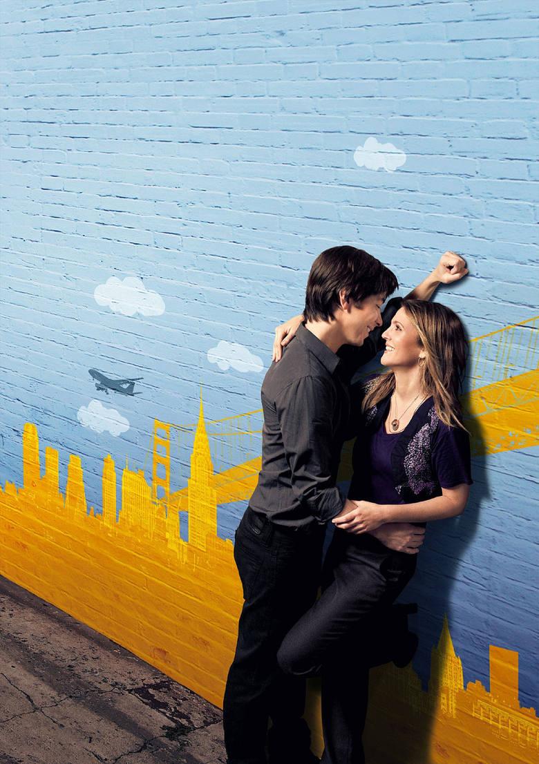 """""""Stosunki międzymiastowe""""Bezpretensjonalna komedia o perypetiach pary, która stara się zbudować udany związek na odległość. Świetny"""