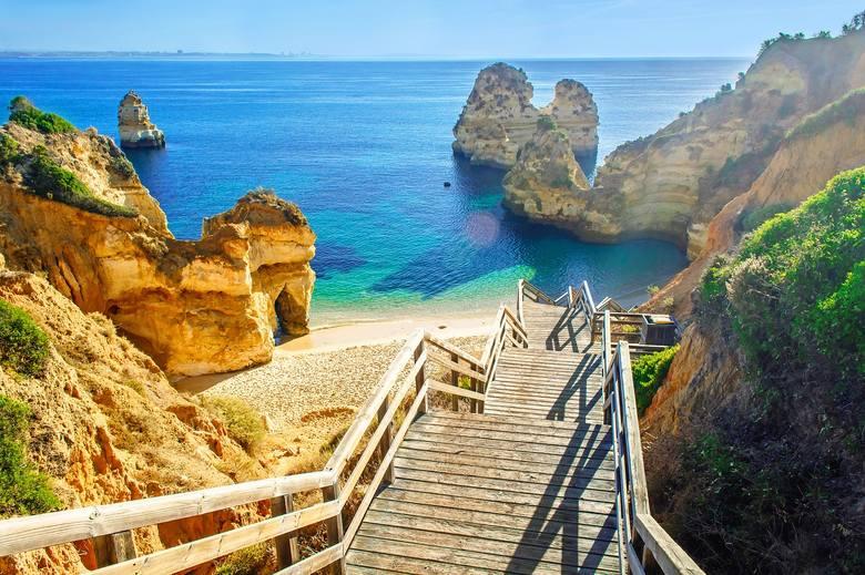 Wiele pięknych miast i miasteczek Algarve zostało w większym lub mniejszym stopniu zniszczone podczas trzęsienia ziemi w 1755 r. Ucierpiało, między innymi
