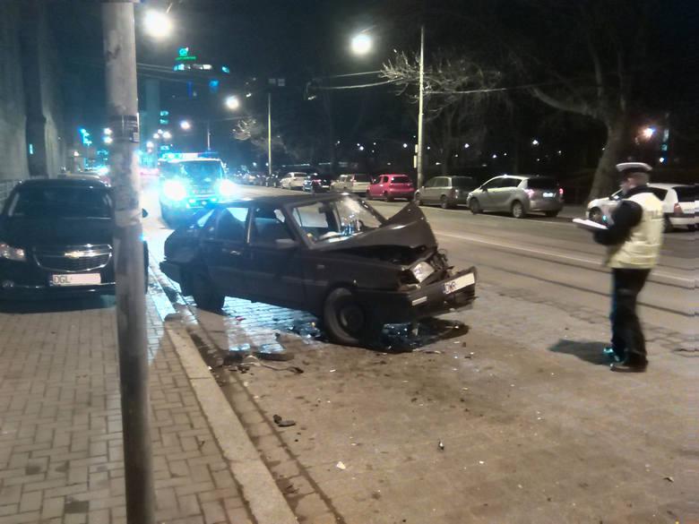Wypadek na skrzyżowaniu Podwala i Sądowej