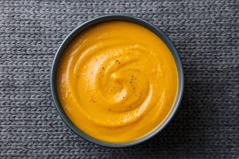 Nieodzownym elementem w łatwostrawnym menu są zupy – m.in. krupniki, czyste (czyli niezabielone) zupy ugotowane na nietłustych wywarach mięsnych i kostnych,