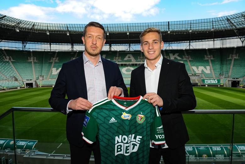 To już pewne! Mateusz Praszelik piłkarzem Śląska Wrocław (Śląsk Wrocław transfery lato 2020)