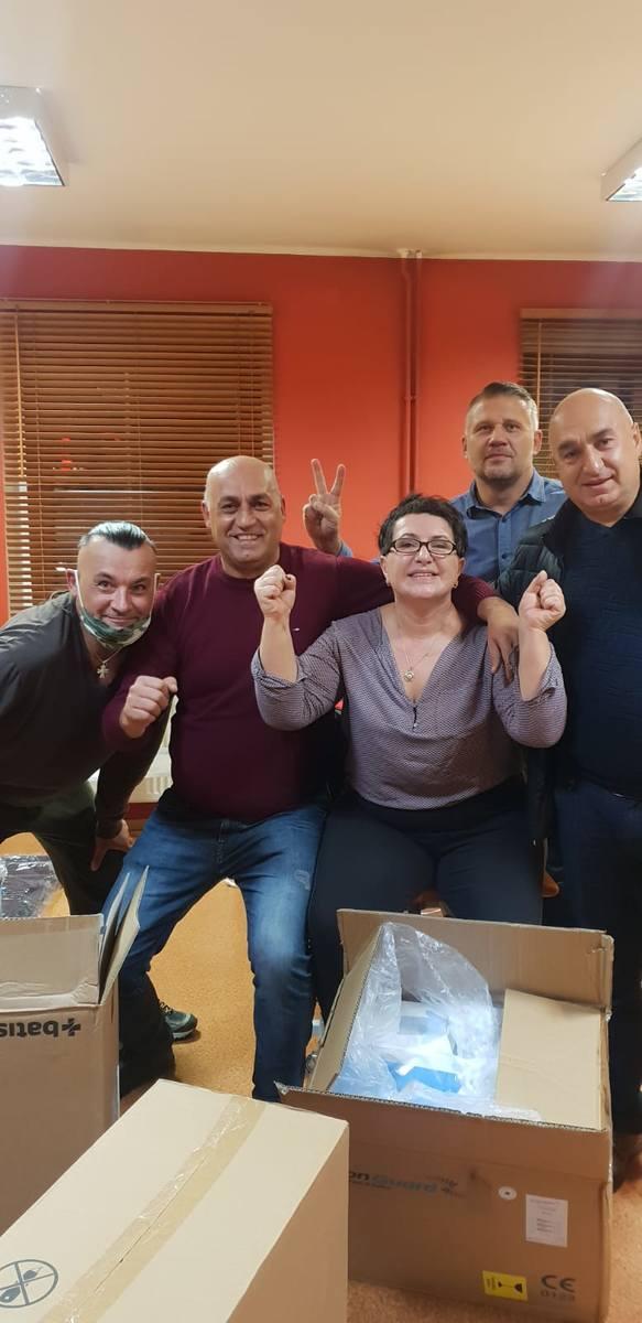 Ormianie z Opolszczyzny pakują dary dla szpitala w Stepanakercie