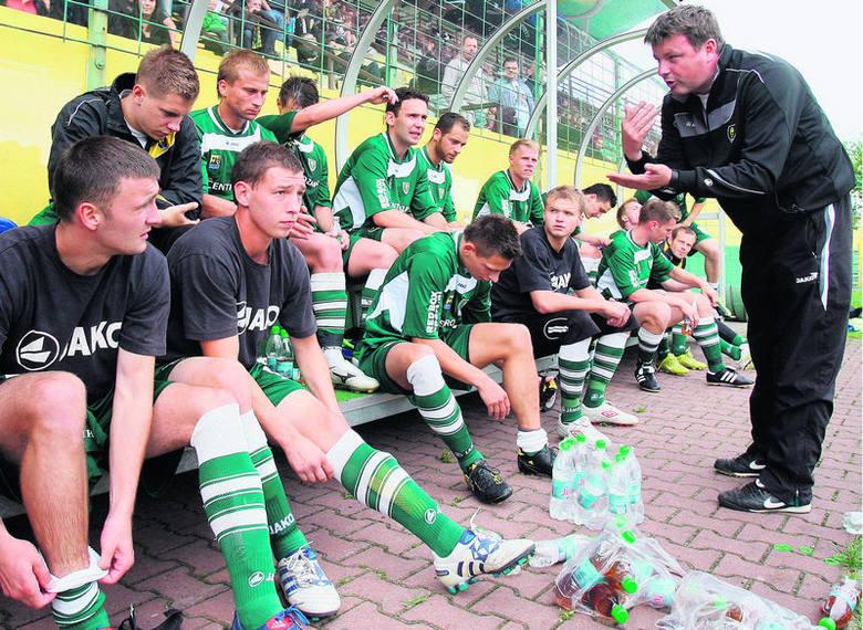 Lipiec 2011: Rafał Górak – rozmawia z piłkarzami GKS Katowice<br />