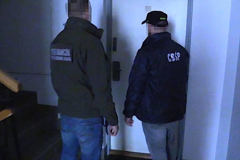 W akcji wymierzonej w rozbicie grupy przestępczej wzięło udział ponad 100 funkcjonariuszy Straży Granicznej i CBŚP. Przeszukano kilkadziesiąt miejsc