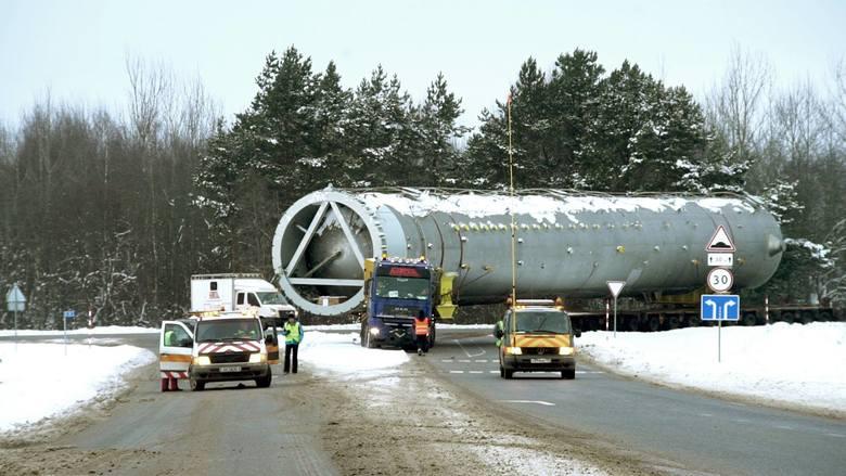 75 m długości, 5,6 m szerokości, 6,8 m wysokości i 304 tony ważył nagrodzony europejską statuetką transport prowadzony przez MTD Skuratowicz.