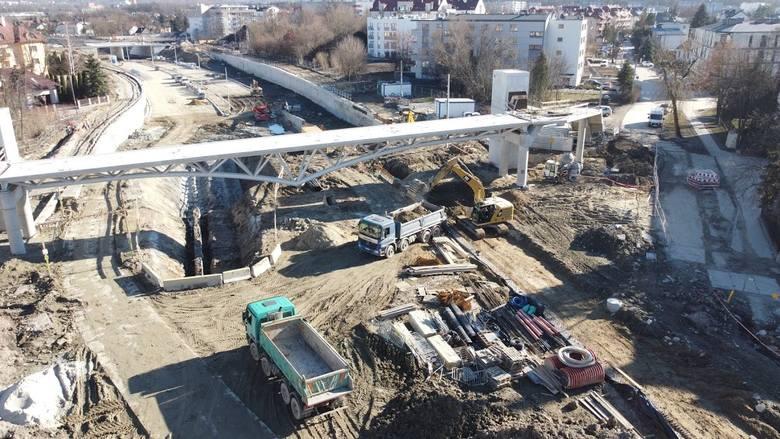 Kraków. Budowa Trasy Łagiewnickiej znów się rozkręca, nowy obiekt na Ruczaju [ZDJĘCIA]