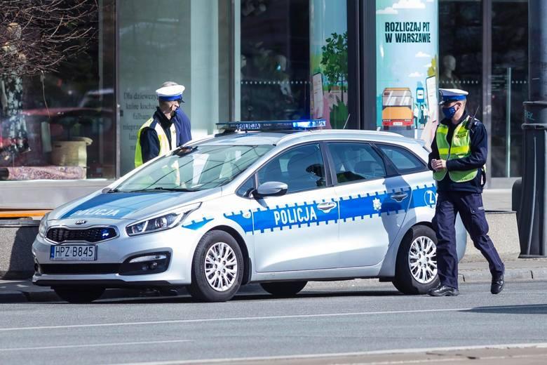 Kierowcy, przed wami zmiany. Od lipca w życie wchodzą nowe przepisy, do których muszą dostosować się wszyscy kierowcy. Teoretycznie mają one poprawić