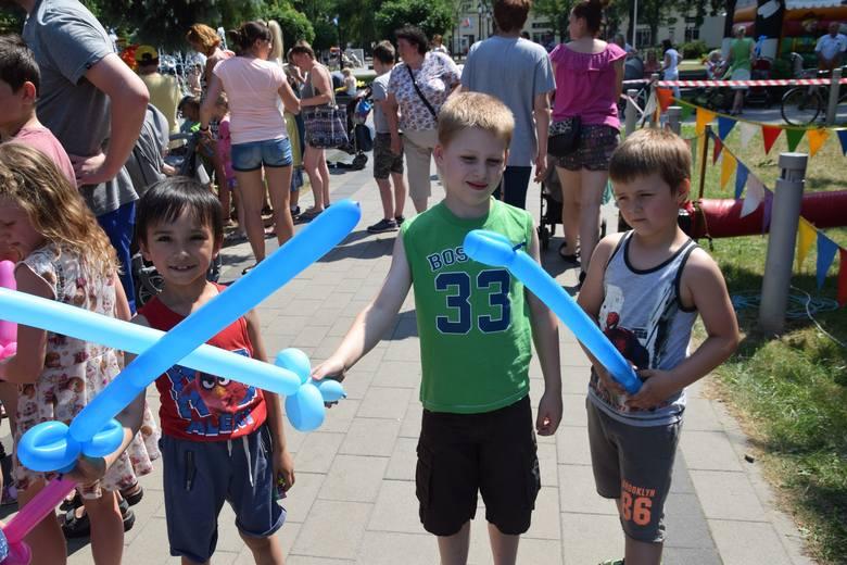 Po raz kolejny Miejskie Centrum Kultury w Ciechocinku było organizatorem Dnia Dziecka. Na najmłodszych czekało mnóstwo atrakcji. Imprezę na skwerze przed