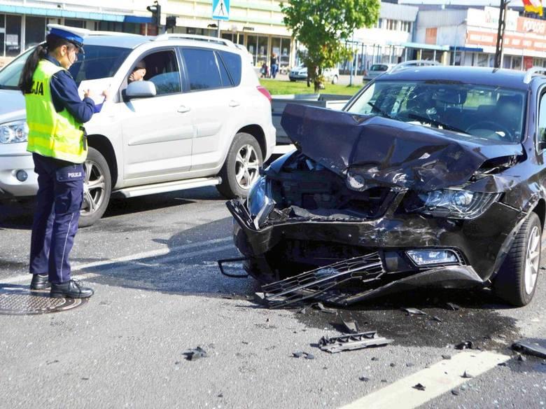 Wypadek na skrzyżowaniu Wiejska-Planty we Włocławku [wideo, zdjęcia]