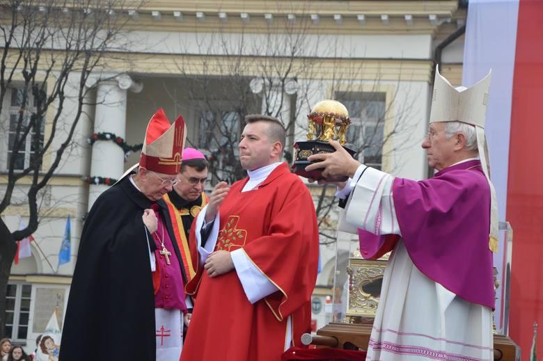 Biskup Andrzej F. Dziuba zaprasza do Łowicza na obchody święta patronki diecezji [ZDJĘCIA]