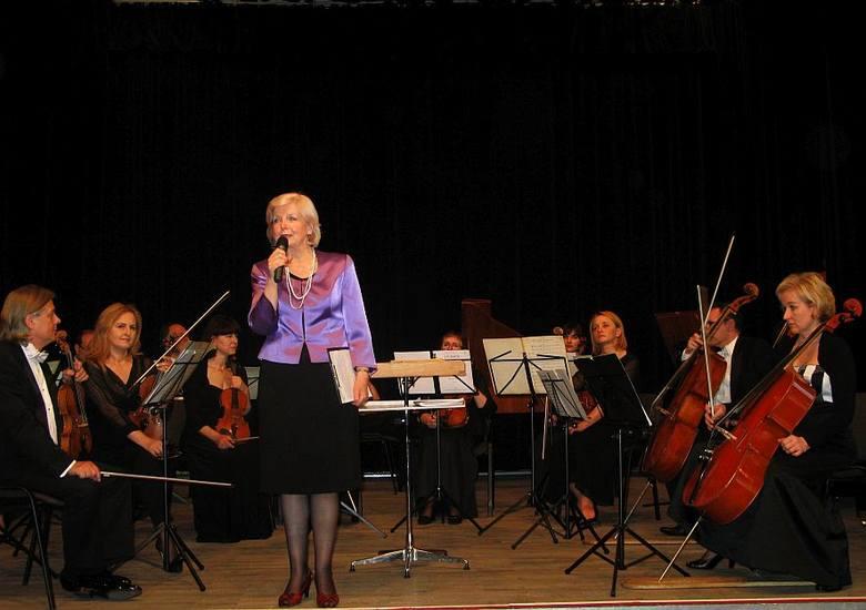 """W Żnińskim Domu Kultury odbył się koncert """"Od Bacha do Góreckiego"""", zorganizowany w ramach przedsięwzięcia pod nazwą """"Muzyczne"""