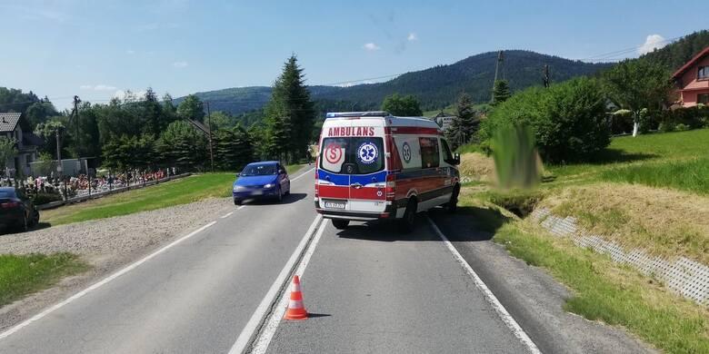 Łabowa wypadek. Na krajówce doszło do kolizji dwóch samochodów [ZDJĘCIA]