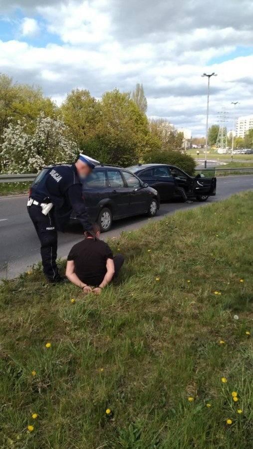 Wrócił z Wielkiej Brytanii, uciekał przed policją. Był pijany i nie poddał się kwarantannie