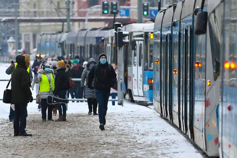 MPK: Remont torowiska we Wrocławiu. Przez ponad miesiąc tramwaje będą jeździć objazdem (20.02.2021)