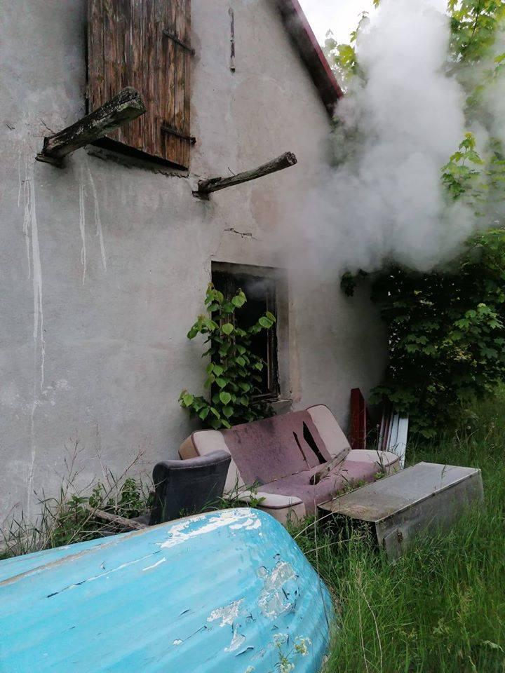Tragiczny pożar w miejscowości Ostroróg. Nie żyje mężczyzna