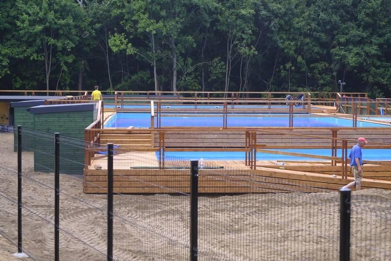 Na Bydgoskim Przedmieściu obok Centrum Konferencyjnego Park powstają letnie baseny. W skład kompleksu wejdą dwa baseny dla dorosłych i młodzieży oraz