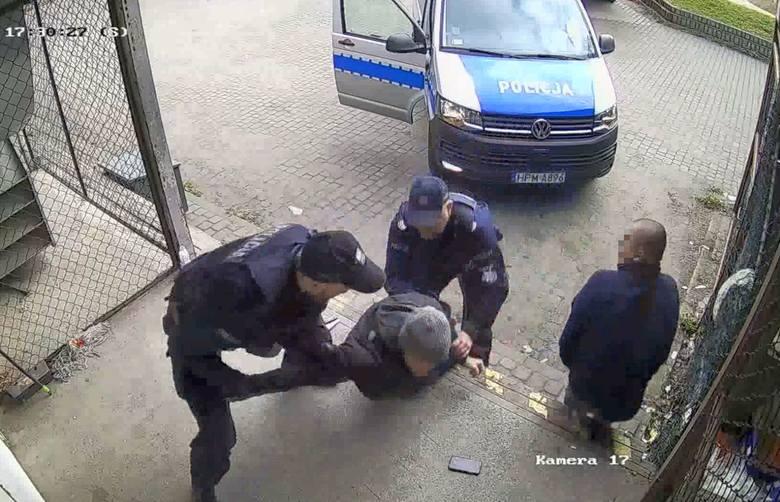 Policyjna interwencja na Białostoczku miała zaskakujący przebieg. Funkcjonariusze nie przebierali w środkach