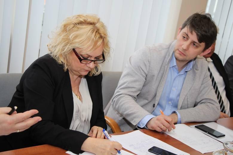 Brygida Grzybowicz, szef delegatury Lubuskiego Urzędu Wojewódzkiego, Sebastian Domański z firmy Super Sport.