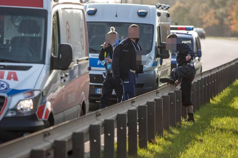 Mężczyzna, za którym ruszył policyjny pościg, zmarł. Miał 40 lat. Na razie nieustalone jest jego miejsce zamieszkania. Natomiast - jak nas poinformowała