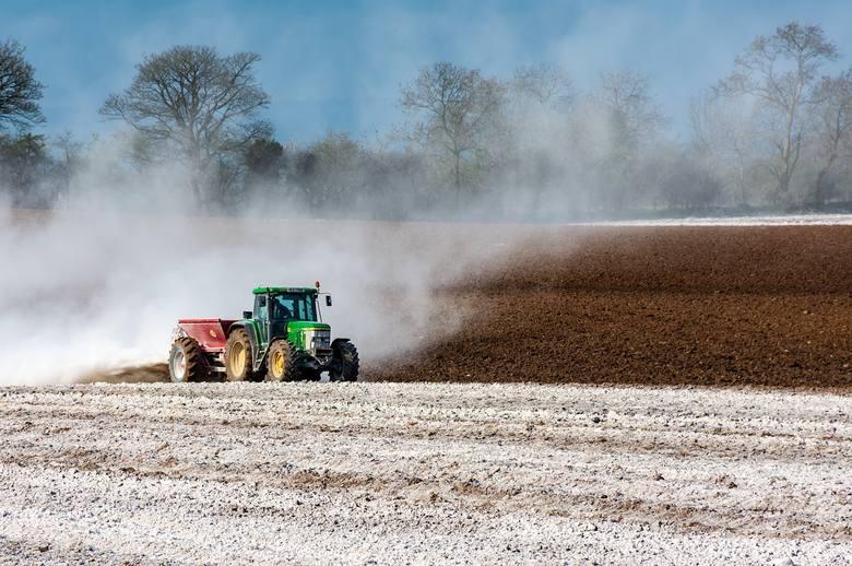 Program wapnowania gleby. Czy będą jednolite dopłaty? Jest odpowiedź