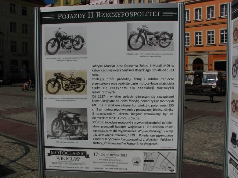 """Zabytkowy Ford T na Placu Solnym. Jest też wystawa """"Pojazdy II Rzeczypospolitej"""" (ZDJĘCIA)"""