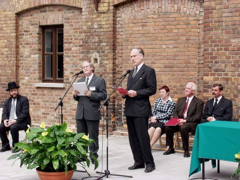 Pracownie Konserwatorskie powstały w czerwcu 2003 r. dzięki wsparciu Ronalda S. Laudera, którego fundacja sfinansowała projekt