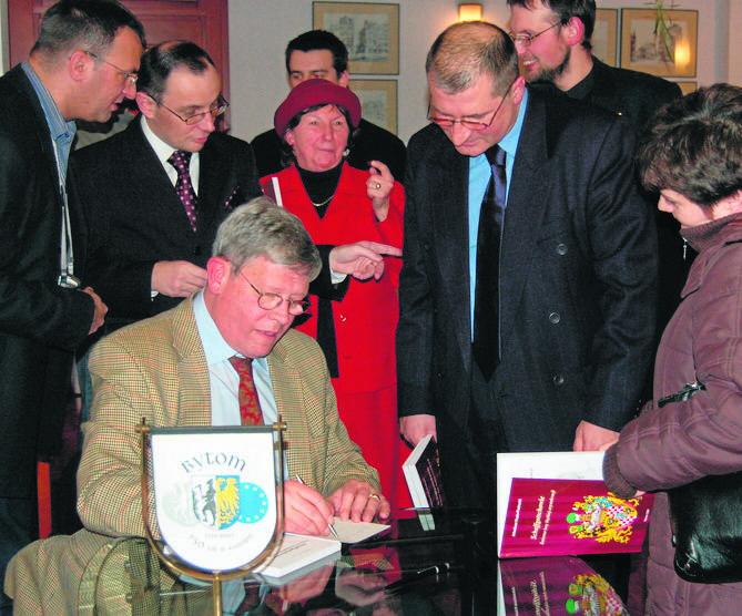 Hans Ulryk jr. hrabia Schaffgotsch, syn ostatniego właściciela Kopic, nie zapomina o kraju swoich przodków. Tu podczas wizyty w Bytomiu