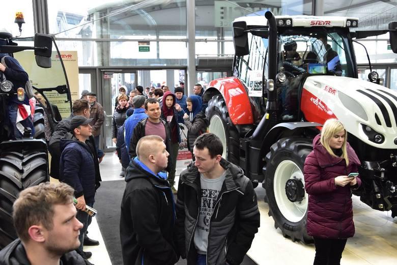 Agrotech 2019 w Kielcach. Cudne i mega nowoczesne ciągniki zachwycają