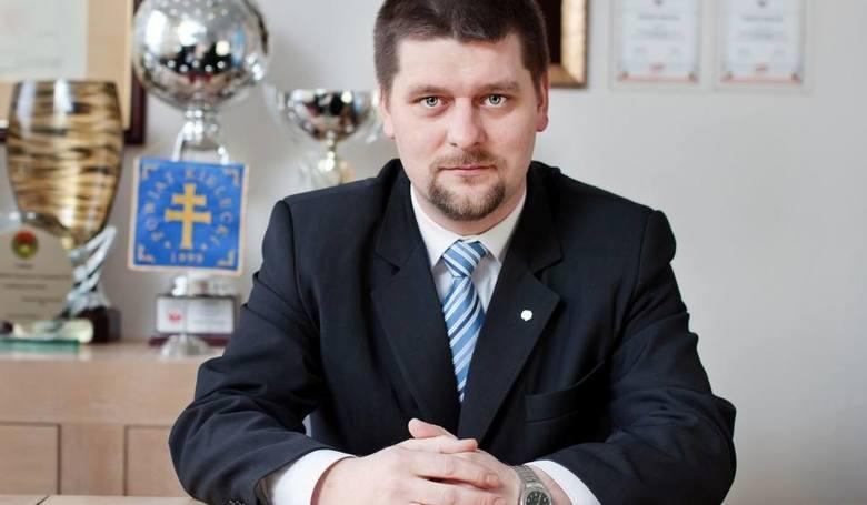 Były starosta kielecki 39-letni Michał Godowski, tak jak już informowaliśmy, chciał pracować jako dyrektor w Świętokrzyskim Centrum Psychiatrii w Morawicy.