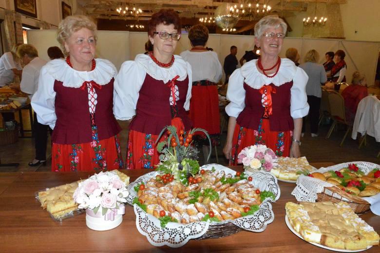 """""""Babki z Krzemienia"""" zakończyły swój projekt przepysznie w """"Bałtowskim Zapiecku"""". Powstanie książka kucharska [ZDJĘCIA]"""