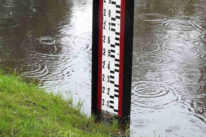 W niedzielę rano stan wody w Kamiennej w Wąchocku o 25 centymetrów przekraczał stan alarmowy