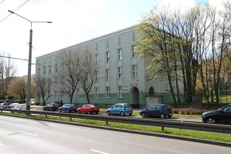Zespół Szkół Hotelarskich w Gdyni. Tu najlepszy wynik wśród kandydatów ubiegających się o przyjęcie wyniósł 2 2020 r. aż 167,8 punktów.Zobacz na kolejnych