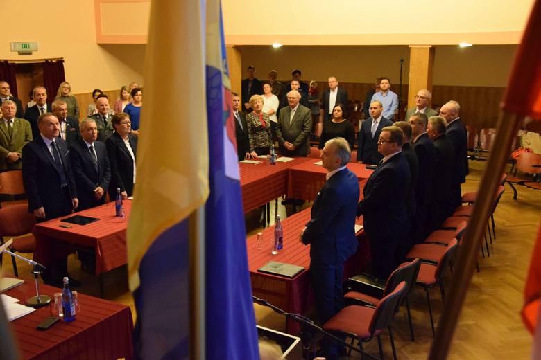 W 15-osobowej radzie miejskiej w Oleśnie jest aż trzynastu radnych, którzy rozpoczną kolejną kadencję. Są tylko dwie nowe twarze. Do tego aż 12 z 15