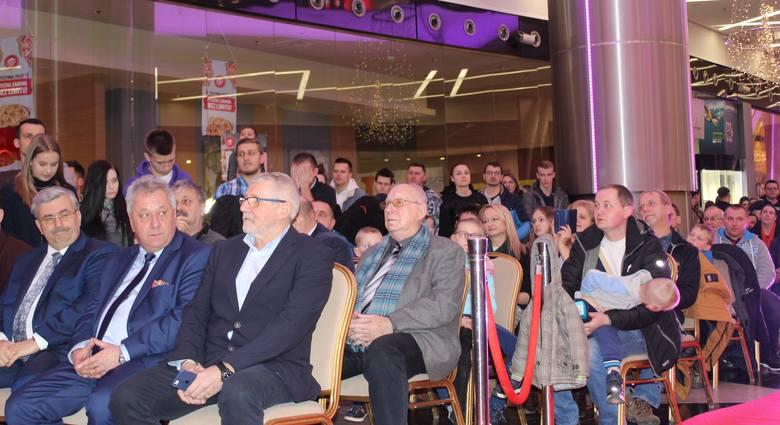 Rzeszowscy kibice licznie przybyli na prezentację Rzeszowskiego Towarzystwa Żużlowego