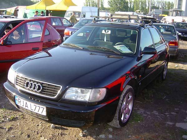 Audi A6Silnik 2,5 Diesel. Rok produkcji 1995. Wyposazenie: wspomaganie kierownicy, ABS, Climatronic, poduszka powietrzna. Cena 13900 zl.
