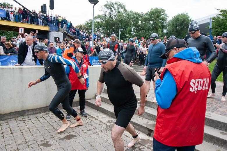 W niedzielę, w drugim dniu 5. edycji Enea Bydgoszcz Triathlon, zawodnicy rywalizowali na dystansie 1/2 (1,9 km pływania, 84 km rowerem i 21,1 km biegu),