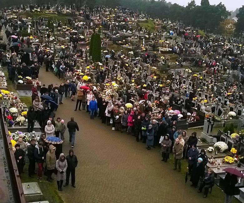 1 listopada na cmentarzu w Kadzidle [ZDJĘCIA]