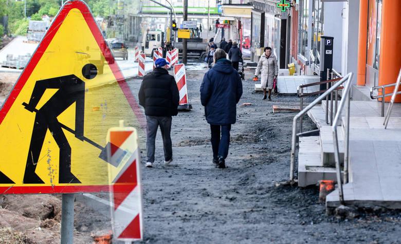Ogłoszony został przetarg na remonty miejskich chodników - informuje UM Bydgoszczy. Ulice, przy których będą prowadzone prace podajemy na następnych
