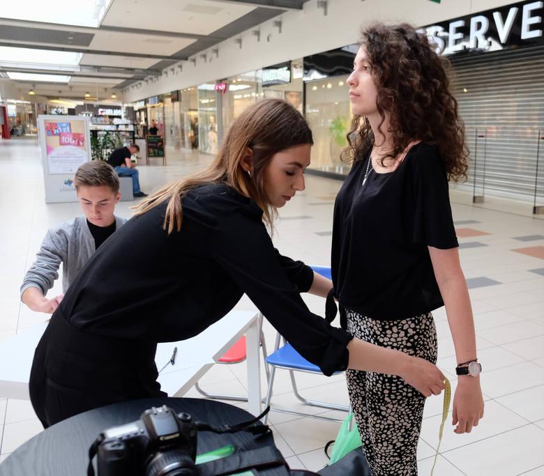 W Galerii Sanowa w Przemyślu, odbył się jeden z trzech zaplanowanych na Podkarpaciu castingów na modelki i modeli. W niedzielę agencja KOYA odwiedziła