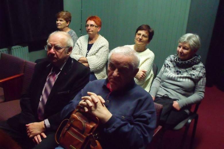 Prawnuczka Iwaszkiewicza gościła w bibliotece w Ożarowie