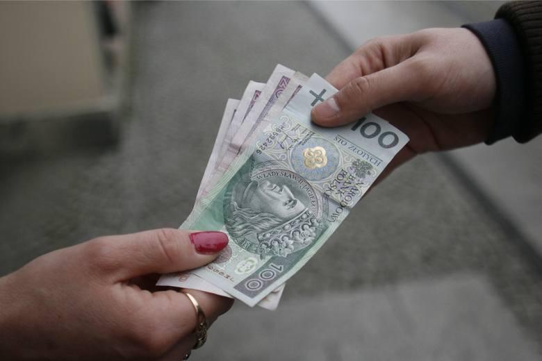 Kwota wolna od zajęcia na rachunku bankowym to 1500 zł - tyle na naszym koncie musi zostawić komornik.