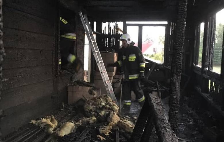 W poniedziałek, o godz. 3.42, podlascy strażacy otrzymali informację o pożarze domu przy ulicy Oskara Kolberga w Bielsku Podlaskim.